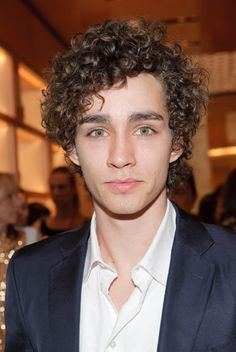 Robert Sheehan (p.s. I like your face)