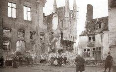 Forum Eerste Wereldoorlog :: Bekijk onderwerp - 14-18 Toen & Nu Het vleeshuis (uiters Links op beide foto's) situeert zich aan de hoek van de Boomgaardstraat.