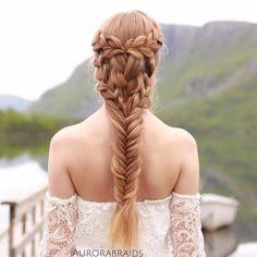 """""""Mermaid meets Khaleesi"""" braid on Elise, inspired by ✨ Pretty Hairstyles, Girl Hairstyles, Braided Hairstyles, Wedding Hairstyles, Hairstyle Ideas, Mermaid Hairstyles, Blonde Haircuts, Stylish Hairstyles, Baddie Hairstyles"""