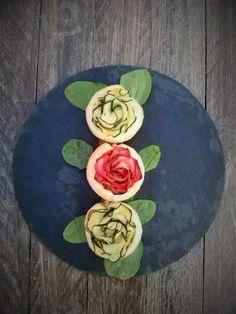 Cocineros del Mundo: Recetas del Reto de Septiembre 2016 - Granadas o Espinacas Tartaletas de rosas de calabacín y crema de espinacas del blog Corazón de Menta y Azahar