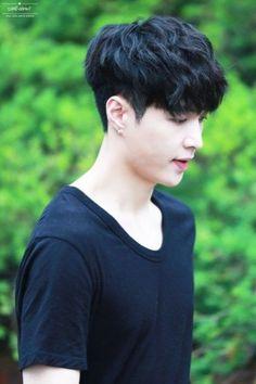 11 best korean men hair images in 2017 Kpop Hairstyle Male, Korean Boy Hairstyle, Asian Haircut, Japanese Hairstyle, Korean Hairstyles, Hairstyle Men, Hairstyle Ideas, Korean Haircut Men, Quiff Haircut