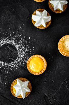 With just a few shortcut ingredients you can make these cute little tarts in less than 30 minutes, including baking time! Simple, delicious and oh-so-adorable! Mini Lemon Tarts, Lemon Tartlets, Lemon Curd Tart, Winter Desserts, Thanksgiving Desserts, Easy Desserts, Chewy Chocolate Cookies, Lemon Dessert Recipes, Most Delicious Recipe