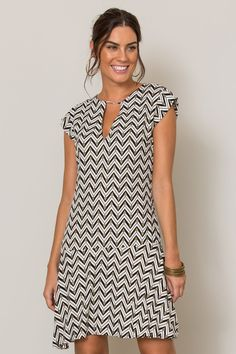 Pinned onto 2018 winter outfits Board in 2018 winter outfits Category Linen Dresses, Day Dresses, Casual Dresses, Fashion Dresses, Short Sleeve Dresses, Summer Dresses, Vestido Casual, Dress Patterns, Casual Looks
