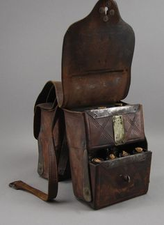 Doctor's Leather Saddlebags The marked Elliot's Patent January 1870 St. Louis MO doctors saddle bag has 24 gl. on Feb 2010 Leather Saddle Bags, Leather Tooling, Patent Leather, Leather Totes, Leather Purses, Crea Cuir, Vintage Medical, Backpack Bags, Duffle Bags