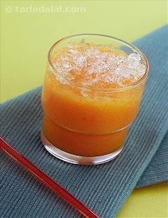 A bright-coloured orange drink to welcome a clear, sunny day! Pineapple, Papaya and Aloe Vera Juice
