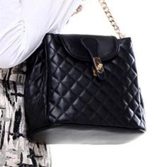 Buy 'Axixi – Twist-Lock Quilted Shoulder Bag' with Free International Shipping at YesStyle.com. Browse and shop for thousands of Asian fashion items from China and more!