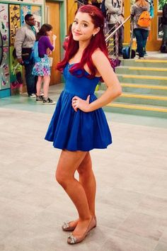 Cat-Brilhante Victoria ❤  Ariana grande on victorious staring as Cat