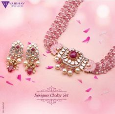 Indulge in Comfy, quirky, luxe designer Jewellery that are widely populated with Rubies, Polkis, Pearls and hues of pink beads. Vaibhav Jewellers now brings you high end celebrity Jewellery pieces to your doorstep. International Shipping Available. Pearl Necklace Designs, Jewelry Design Earrings, Ruby Jewelry, Pink Jewelry, Gold Jewellery Design, Bead Jewellery, Fashion Jewellery, Gemstone Jewelry, Jewelery