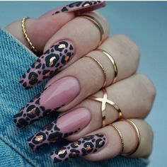 Leopard Print Nail Art Aesigns Give You Beauty Inspiration Leopard print is a pattern resembling a leopard fur pattern and is one of the most common animal print elements. Some fashion darlings use leopard print elements for nail art. Summer Acrylic Nails, Best Acrylic Nails, Acrylic Nail Designs, Leopard Nail Designs, Summer Nails, Dope Nail Designs, Gel Nail Art, Nail Nail, Nail Polish