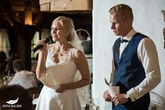 Hochzeit Wolfgangsee und Laimer Urschlag - Lisa & Chris - Foto Sulzer Blog Lisa, White Dress, Blog, Dresses, Fashion, Pictures, Engagement, Couple, Vestidos