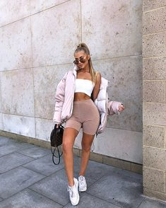 Jess Hunt - s t y l e - Biker Shorts Chill Outfits, Sporty Outfits, Cute Casual Outfits, Simple Outfits, Summer Outfits, Fashion 2020, Look Fashion, Fashion Outfits, Womens Fashion