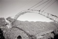 The New River Gorge Bridge during construction
