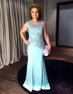 Vestido sob medida para mãe da noiva - Ateliê Esther Bauman Acquastudio  Vestido longo tiffany, com bordado prata;  http://www.estherbaumanblog.com.br/2016/11/mae-da-noiva-bordado-prata-azul.html
