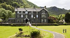 The Borrowdale Hotel Keswick In the Borrowdale valley, this charming hotel has traditional rooms, and is surrounded by picturesque Lake District scenery. Free Wi-Fi is provided, as well as free private parking.