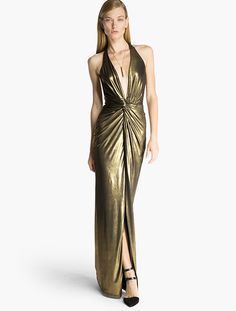 Halston Heritage Evening Gowns encompass glamorous accents and iconic Halston silhouettes by incorporating details like sequins, drapes, patterns, & chiffon. 70s Fashion, Party Fashion, Fashion Dresses, Fashion Killa, Fashion History, Gold Outfit, Gold Gown, Designer Prom Dresses, Necklines For Dresses
