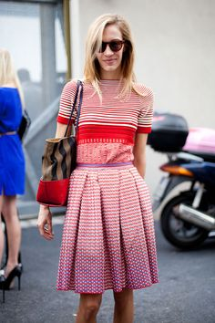 Street Style: This skirt and top pairing should be too busy, but consistent colors and a great fit make it work.