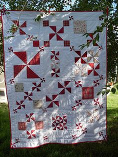 Mavi sent me photos of her absolutely stunning version of the Pinwheel Party quilt.