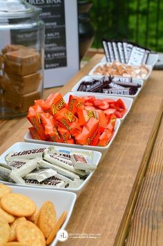 Setting Up A S'mores Party Bar bar S'mores Bar Party Camping Parties, Grad Parties, Holiday Parties, Birthday Parties, Bonfire Birthday, Fall Bonfire Party, Backyard Bonfire Party, Bonfire Ideas, Outdoor Birthday