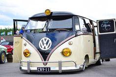 Vw Camper, Volkswagen Bus, Blockchain, German Look, Vw Variant, Bus Interior, Rat Look, Combi Vw, Trike Motorcycle