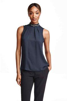 Blusa sem mangas em cetim   H&M                                                                                                                                                      Mais