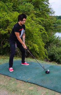 Jaime :) The golfer in me wants to correct his stance cx