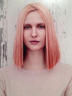 Bereid je kapper maar alvast voor, gradient abrikoos is de nieuwe it-haarkleur voor dit najaar.