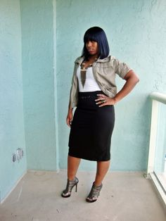Curves and Confidence | Inspiring Curvy Women One Outfit At A Time: I'm Back!