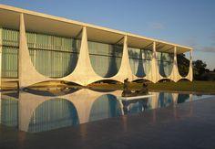 Palácio do Alvorada, em Brasília, projeto de Oscar Niemeyer