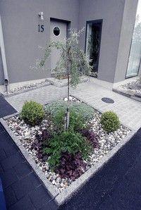 Sten - ett säkert råd för lättskött trädgård
