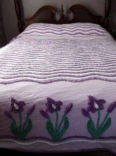 Purple Iris and purple waves - Very rare and unusual. Vintage Shabby Chic, Vintage Love, Retro Vintage, Chenille Bedspread, Chenille Fabric, Home Goods Decor, Home Decor, Purple Iris, Linen Bedding