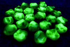 "Lot of 30 Pcs Vtg Czech Uranium Vaseline GREEN WHITE Glass Ovals Beads 3/8"" 9mm by MuchMoreThanButtons on Etsy"