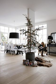 Modern Rustic Christmas Decor