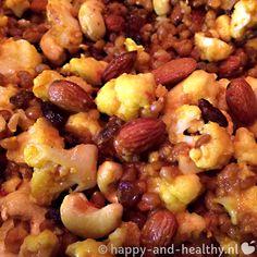 Hmm dit keer op Happy and healthy een lekker kruidig bloemkool recept met 'n India twist! Vol groenten, noten, zaden en rozijnen mjam!