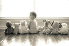 Cute ideas for baby pictures This is an adorable baby picture idea! cute kids These cute kids definitely are explorers at heart! Photo Bb, Jolie Photo, Children Photography, Newborn Photography, Family Photography, Photography Ideas, Birthday Photography, Portrait Photography, Baby Pictures