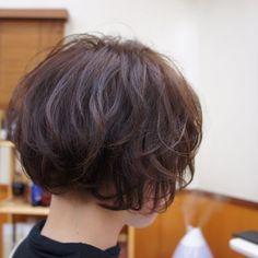 #アプリエ#applie#hoyu#ティントあったらどこまで上がるか試してみた件#刈り上げボブ  プロマスターG4/3を使った調合で一年来たお客様もここまでリフト✨ #春スタイル #ボブ #ハイ透明感 たまらない仕上がりでした  #topstyle#shizuoka#fujinomiya#japan #渡井タケト #トップスタイル #店長 #技術教育マネージャー