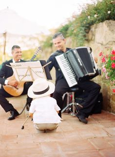 Just love this photo from a Tuscan wedding...