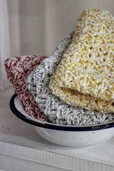 Free chart for rustic dishcloths/washcloths by luli - crochet Crochet Kitchen, Crochet Home, Knit Or Crochet, Learn To Crochet, Crochet Crafts, Crochet Projects, Knitted Washcloths, Crochet Dishcloths, Loom Knitting