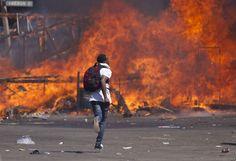 Zimbabwe Court Keeps Police Ban on Protests - http://zimbabwe-consolidated-news.com/2016/10/04/zimbabwe-court-keeps-police-ban-on-protests-2/