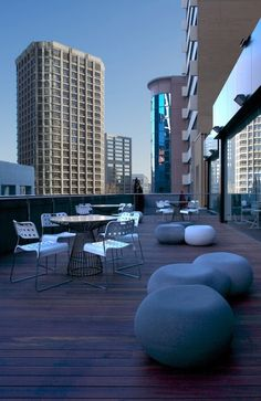 Image result for outdoor atrium spaces in office buildings