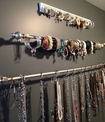 8a655ab3441c 25 Clever DIY Ways To Keep Your Jewelry Organized is part of jewelry  Organizer DIY - Keep your bling untangled with these brilliant storage  solutions