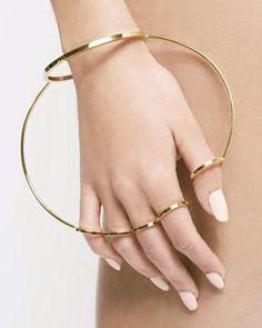 Stuck in orbit between this bracelet / ring hybrid by #YunSunJang ✨ #orbit #ring #inspiration #awestruck #wonder #jewellery