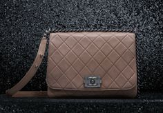 Chanel Messenger Bag with soft grained lambskin flap with chain and shoulder strap (Spring-Summer 2012 pre-collection)