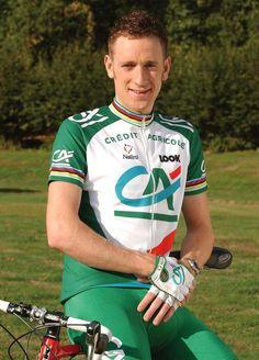 Con el plato grande: Bradley Wiggins, rock sobre la bicicleta.
