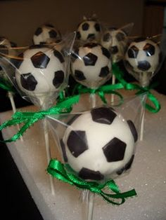 I want to make these for D's Birthday!!