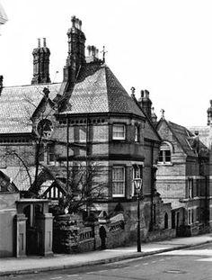 Old & Historical Photos of Nottingham Nottingham Castle, University Of Nottingham, Timber Ceiling, Glazed Ceramic Tile, Window Detail, Hall Interior, Forest Road, Mansions Homes, Westminster
