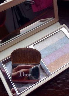 Kup mój przedmiot na #vintedpl http://www.vinted.pl/kosmetyki/kosmetyki-do-makijazu/10889910-dior-detective-chic-puder-rozswietlajacy-do-twarzy-i-oczu-002-pearl-reflection-jak-meteorities