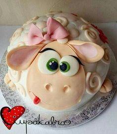 New birthday funny cake happy ideas Fondant Cakes, Cupcake Cakes, Bolo Laura, Super Torte, Sheep Cake, Funny Cake, Funny Cupcakes, Farm Cake, Animal Cakes