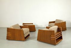 Three armchairs and one ottoman by Frank Lloyd Wright, exhibited by Galerie Eric Philippe of Paris. Plywood Furniture, Fine Furniture, Furniture Projects, Furniture Making, Modern Furniture, Furniture Design, Wooden Sofa, Classic Furniture, Sofa Set