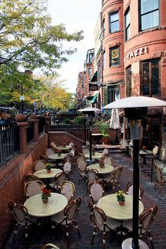*sigh*...wish I could blink and transport myself there right this second! Newbury Street, Boston