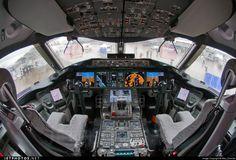 BOEING 787 - COCKPIT